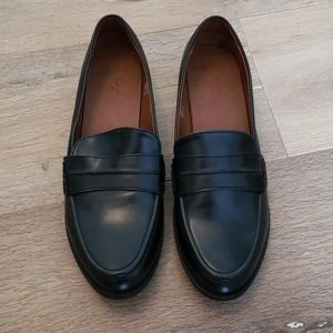 Universal Thread black loafer shoes 10